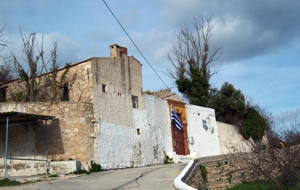 kallimasia-koyu-panaghia-plakidiotissa-manastiri