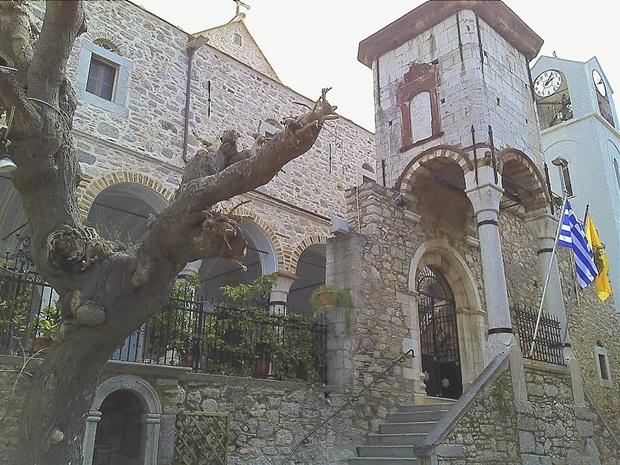 mesta-palaios-taksiarhis-kilisesi